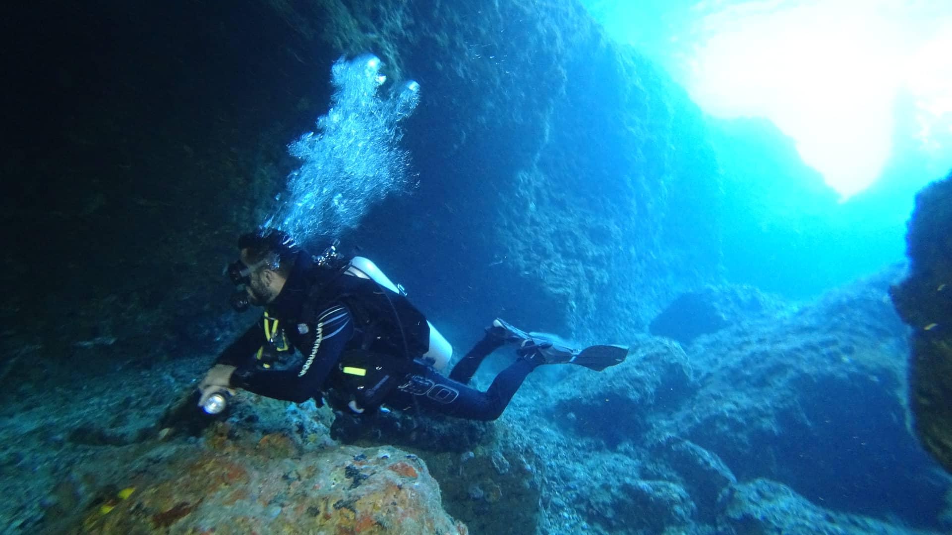 Cours de plongée SSI en français à Bohol